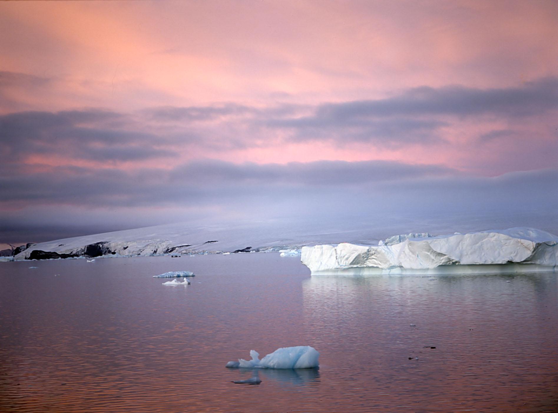 antarctica000.jpg