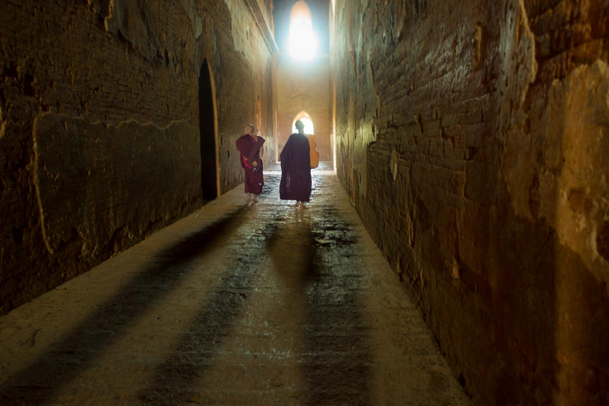Bagan - Monks
